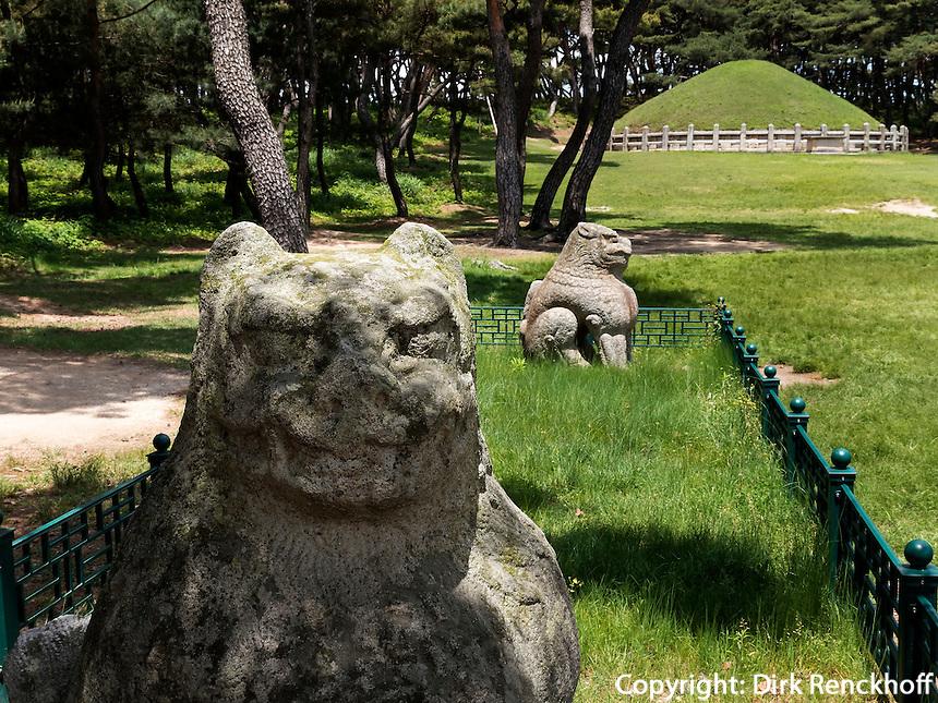 Gwaneung-Grab des Silla-K&ouml;nigs Wonseong, Gyeongju, Provinz Gyeongsangbuk-do, S&uuml;dkorea, Asien, UNESCO-Weltkulturbe<br /> Gwaneung tomb of Silla king Wonseong, Gyeongju,  province Gyeongsangbuk-do, South Korea, Asia, UNESCO world-heritage
