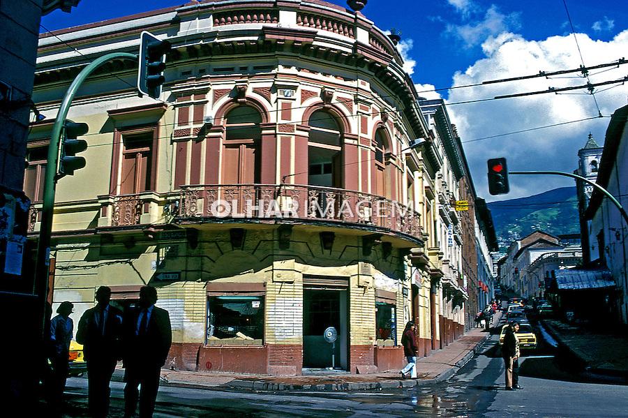 Ruas da cidade velha de Quito, Equador. 1997. Foto de Juca Martins.