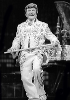 Liberace 1985<br /> Photo By Adam Scull/PHOTOlink.net