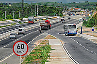Duplicacao da via costeira. Estrada BR-101. Recife. Pernambuco. 2008. Foto de Sergio Amaral.