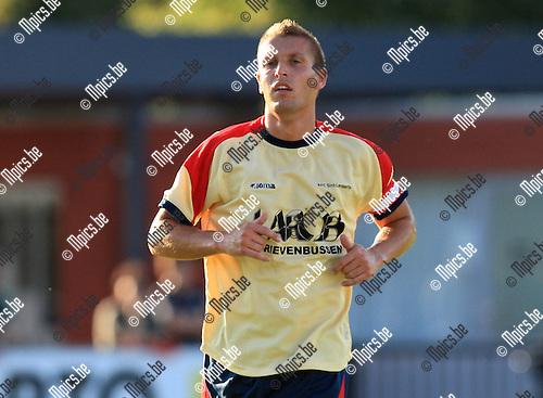 2010-07-28 / Voetbal / seizoen 2010-2011 / Sint-Lenaarts / Joris Jaspers..Foto: mpics