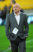 Hurricanes manager Tony Ward during the Super Rugby match between the Hurricanes and Sharks at Westpac Stadium, Wellington, New Zealand on Saturday, 9 May 2015. Photo: Dave Lintott / lintottphoto.co.nz