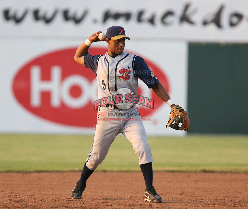 2007:  Anthony Watson of the State College Spikes playing shortstop during a game vs. the Batavia Muckdogs in New York-Penn League baseball action.  Photo By Mike Janes/Four Seam Images