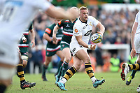 Tom Cruse of Wasps passes the ball. Aviva Premiership match, between Leicester Tigers and Wasps on March 25, 2018 at Welford Road in Leicester, England. Photo by: Patrick Khachfe / JMP