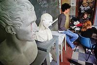 Milano, occupazione e autogestione del Liceo Artistico Statale di Brera per protestare contro la riforma dell'istruzione. Busti --- Milan, occupation and self-management of Brera art high school as a protest against the school reform. Busts