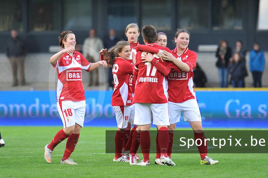 Bekerfinale 2012 : WD Lierse SK - Standard Femina :.vreugde bij Maria Laura Aga , Valentine Hannecart en standard na de bekerwinst.foto David Catry / Joke Vuylsteke / Vrouwenteam.be