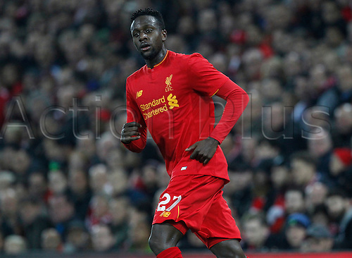 25.10.2016. Anfield, Liverpool, England. EFL Cup. Liverpool versus Tottenham Hotspur. Liverpool forward Divock Origi breaks forward into attacking positon