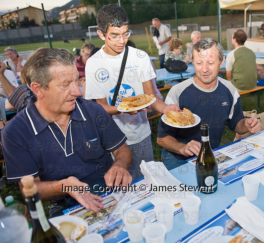 SAGRA DEL &quot;PESCE E PATATE&quot; 2011, BARGA, ITALY<br /> <br /> THE FISH AND CHIPS ARE SERVED.