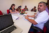 Reunião entre o Panamazônica e Kayapós, com apoio da Clínica de Direitos Humanos da Amazônia (CIDHA) ICJ/UFPA, para discutir direitos autorais e uso de imagens.<br />Belém, Pará, Brasil.<br />Foto Paulo Santos