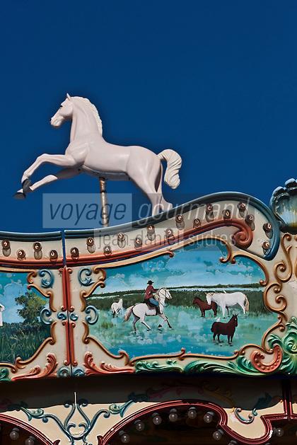 Europe/France/13/Bouches du Rhone/Camargue/Parc Naturel Régionnal de Camargue/Saintes Maries de la Mer: Détail Art Forain, détail d'un manège - Gardian et manade