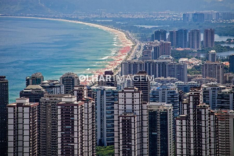 Predios de apartamentos na Barra da Tijuca. Rio de Janeiro. 2013. Foto de Ricardo Funari.