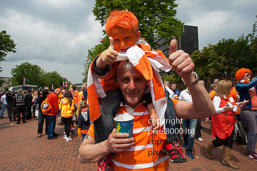 London, UK. Fans on Wembley way ahead of nPower Championship playoff final fixture Blackpool versus West Ham United at Wembley Stadium 19 May.  Please Byline David Fearn Pixel 8000 Ltd