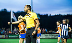 BLOEMENDAAL  - Hockey -  finale KNHB Gold Cup dames, Bloemendaal-HDM . Bloemendaal wint na shoot outs. . scheidsrechter Jacir Soares de Brito .  COPYRIGHT KOEN SUYK