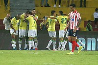 BUCARAMANGA-COLOMBIA, 07-03-2020: Jugadores de Atletico Bucaramanga, celebran el gol anotado al Atletico Junior, durante partido entre Atletico Bucaramanga y Atletico Junior, de la fecha 8 por la Liga BetPlay DIMAYOR I 2020, jugado en el estadio Alfonso Lopez de la ciudad de Bucaramanga. / Players of Atletico Bucaramanga, celebrate a scored goal to Atletico Junior, during a match between Atletico Bucaramanga and Atletico Junior, of the 8th date for the BetPlay DIMAYOR I Legauje 2020 at the Alfonso Lopez stadium in Bucaramanga city. / Photo: VizzorImage / Jaime Moreno / Cont.