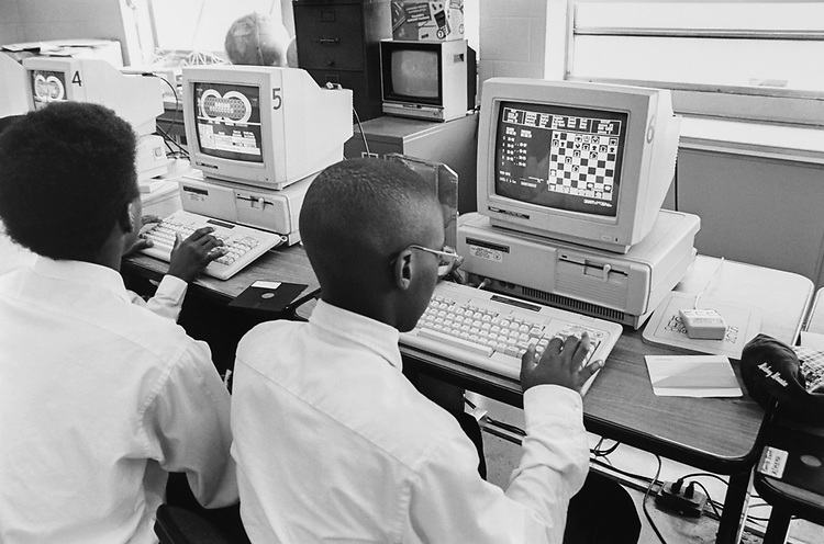 """8th grade """"Engineering Concepts"""" class at Roper Middle School (Junior High School) in Washington, D.C., on March 11, 1996. (Photo by Laura Patterson/CQ Roll Call via Getty Images)"""