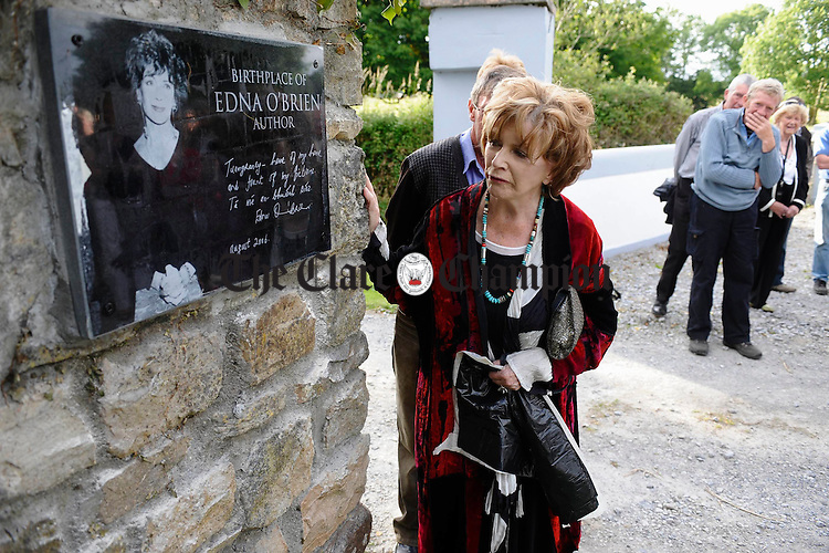 Edna O Brien at the unveiling of a commemorative wall plaque marking her birthplace at the entrance to Drewsboro House in Tuamgraney. Photograph by John Kelly.