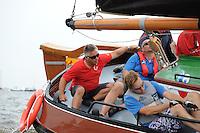 ZEILEN: FRYSLÂN: 2014, SKS skûtsjesilen, skûtsje Doarp Grou, schipper Douwe Azn. Visser, ©foto Martin de Jong