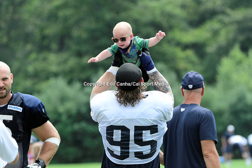 Tuesday August 16, 2016: New England Patriots defensive end Chris Long (95) plays with son Waylon after a joint training camp session between the Chicago Bears and the New England Patriots held at Gillette Stadium in Foxborough Massachusetts. Eric Canha/CSM