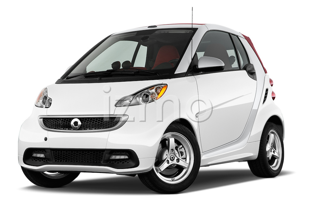 Low aggressive front three quarter view of a 2013 Smart For Two Cabriolet