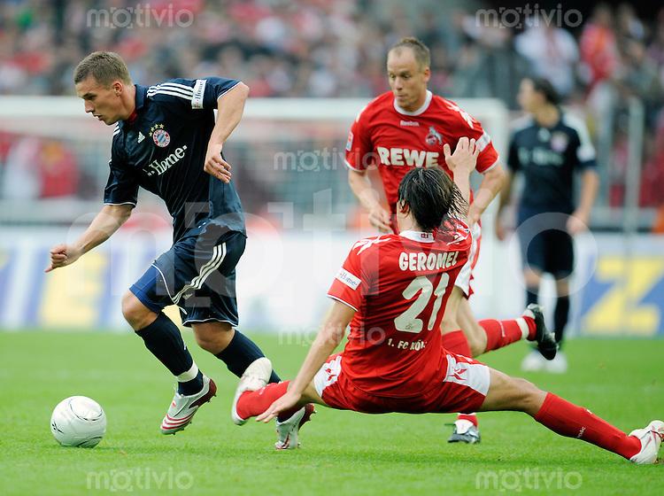 FUSSBALL   1. BUNDESLIGA   SAISON 2008/2009   4. SPIELTAG 1. FC Koeln - FC Bayern Muenchen                 13.09.2008 Lukas PODOLSKI (li, Muenchen) im Zweikampf mit Pedro GEROMEL (re, Koeln).
