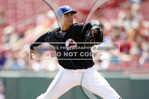 May 23, 2009:  Starting Pitcher Nelson Figueroa of the Buffalo Bisons, International League Triple-A affiliate of the New York Mets, delivers a pitch during a game at Coca-Cola Field in Buffalo, NY.  Photo by:  Mike Janes/Four Seam Images