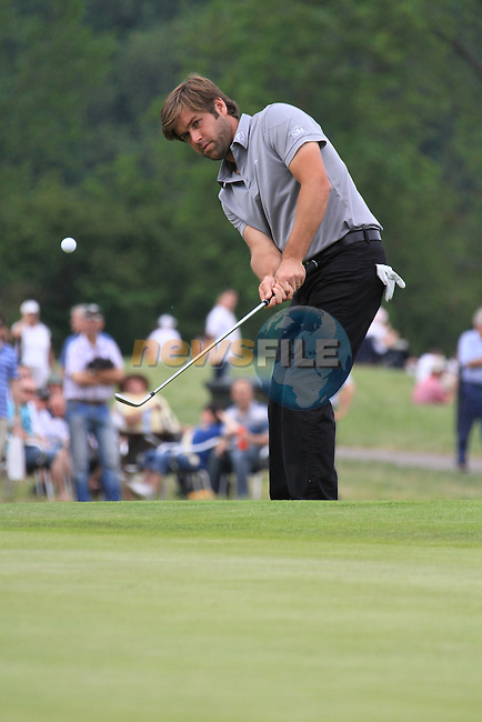 Robert Rock playing onto the green on the final day of the Celtic Manor Wales Open 2010.Picture Fran Caffrey/Newsfile.ie