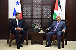 Palestinian President Mahmoud Abbas meets with Panama President, Juan Carlos, in the West Bank city of Ramallah on May 18, 2018. Photo by Thaer Ganaim