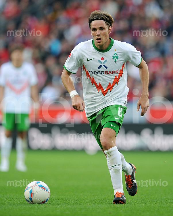 FUSSBALL   1. BUNDESLIGA   SAISON 2011/2012    2. SPIELTAG Bayer 04 Leverkusen - SV Werder Bremen              14.08.2011 Clemens FRITZ (SV Werder Bremen) Einzelaktion am Ball