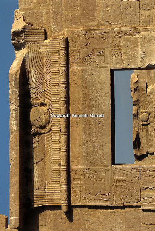 Qasr al Ghweita, Temple, 25th dynasty, dedicated to Theban triad, Amon, Mut, Khonsu, Egypt; Ancient Cultures; Archaeologist; Salima Ikram; Kharga Oasis; Desert; oasis