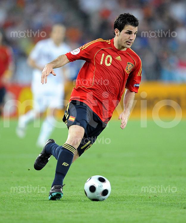FUSSBALL EUROPAMEISTERSCHAFT 2008 Spanien - Italien    22.06.2008 Cesc Fabregas (Spanien) am Ball.
