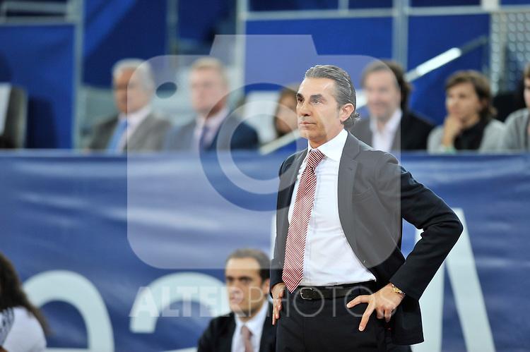 Sergio Scariolo, entrenador del equipo italiano. Partido de Euroliga entre el Real Madrid y el EA7 Armani. 28 de Octubre 2011. La Caja M·gica. Madrid...Photo: Marcos / ALFAQUI