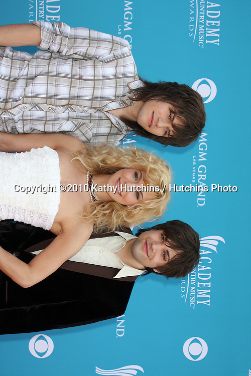 The Band Perry.arrives at the Academy of Country Music Awards 2010.MGM Garden Arena.Las Vegas, NV.April 18, 2010.©2010 Kathy Hutchins / Hutchins Photo....