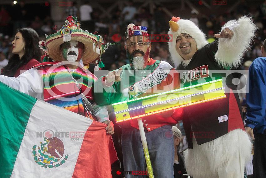 el matraquero .durante  la Serie del Caribe 2013  de Beisbol,  Mexico  vs Puerto Rico,  en el estadio Sonora el 1 de febrero de 2013 en Hermosillo.....©(foto:Baldemar de los Llanos/NortePhoto)........During the game of the Caribbean series of Baseball 2013 between Mexico  vs Puerto Rico. .©(foto:Baldemar de los Llanos/NortePhoto)..http://mlb.mlb.com/mlb/events/winterleagues/league.jsp?league=cse
