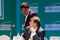 FOZ DO IGUA&Ccedil;U, PR, 21.04.2017 &ndash; LIDE - 16&ordm; F&oacute;rum Empresarial Foz do Igua&ccedil;u<br />  &ndash;   Rodrigo Maia, presidente da C&acirc;mera dos Deputados e o Mendon&ccedil;a Filho, ministro da Educa&ccedil;&atilde;o e Cultura, durante o 16&ordm; F&oacute;rum Empresarial Foz do Igua&ccedil;u, na manh&atilde; desta sexta-feira (21). (Foto: Paulo Lisboa/Brazil Photo Press)