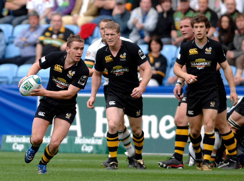 Photo: Richard Lane..Northampton Saints v London Wasps. Heineken Cup, Semi Final. 22/04/2007. .Wasps' Eoin Reddan attacks.