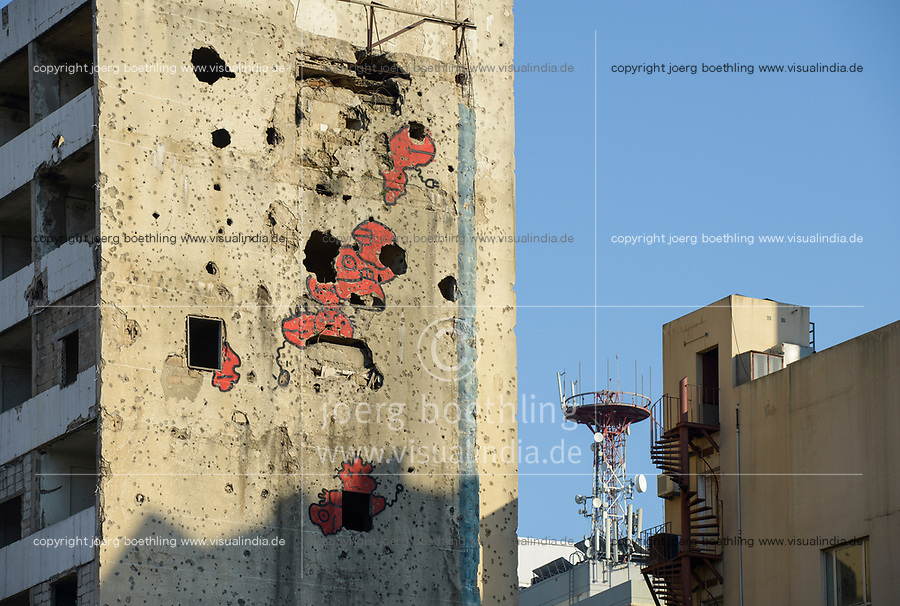 LEBANON, Beirut, war ruins  / LIBANON, Beirut, im Krieg zerstoerte Gebaeude