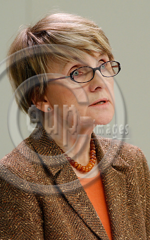 Brussels-Belgium - 18 January 2005---Danuta HUEBNER (Hübner), European Commissioner from Poland and in charge of Regional Policy, during a press conference at the HQ of the EC---Photo: Horst Wagner/eup-images