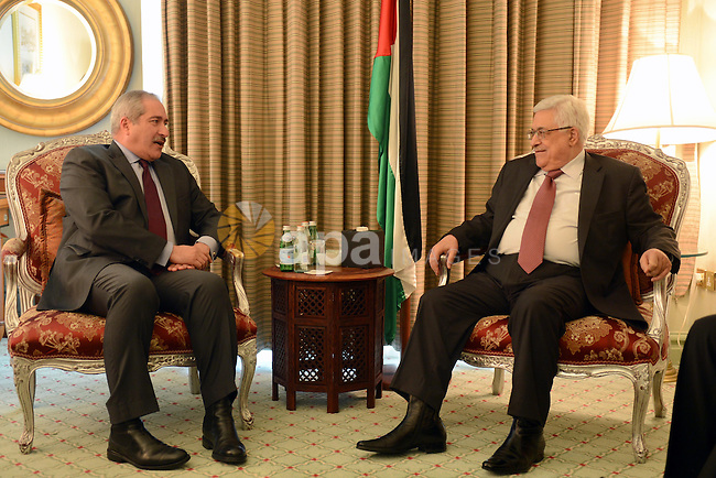 Palestinian President Mahmoud Abbas meets with Jordanian Foreign Minister Naser Joudeh in Doha on April 8, 2013. Abbas arrived to Doha to participate the meeting of the Follow-up Committee for the Arab Peace Initiative. Photo by Thaer Ganaim