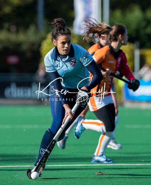 Laren - Macey de Ruiter (Lar)  tijdens de Livera hoofdklasse  hockeywedstrijd dames, Laren-Oranje Rood (1-3).  COPYRIGHT KOEN SUYK