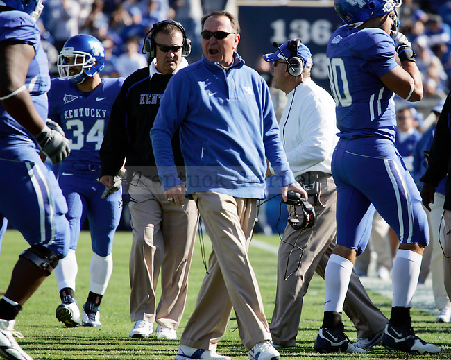 UK football head coach Rich Brooks yells at the players as they return to the bench in the first half of the UK vs. EKU game on Saturday, Nov. 7, 2009 at Commonwealth Stadium. Photo by Britney McIntosh | Staff