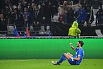 Verletzt am Boden Hoffenheims Florian Grillitsch (Nr.11)  beim Spiel  in der Champions League, Olympique Lyon - TSG 1899 Hoffenheim.<br /> <br /> Foto &copy; PIX-Sportfotos *** Foto ist honorarpflichtig! *** Auf Anfrage in hoeherer Qualitaet/Aufloesung. Belegexemplar erbeten. Veroeffentlichung ausschliesslich fuer journalistisch-publizistische Zwecke. For editorial use only. DFL regulations prohibit any use of photographs as image sequences and/or quasi-video.