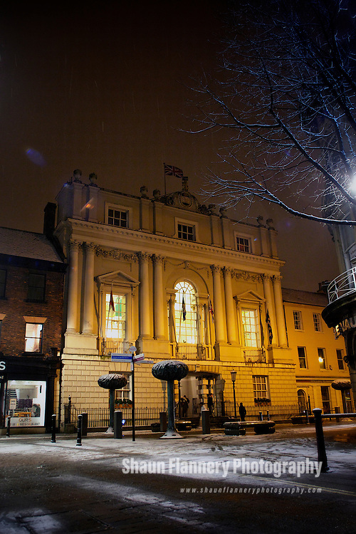 Pix: Shaun Flannery/shaunflanneryphotography.com...COPYRIGHT PICTURE>>SHAUN FLANNERY>01302-570814>>07778315553>>..9th February 2012…………….The Mansion House, Doncaster on a snowy winter's evening.