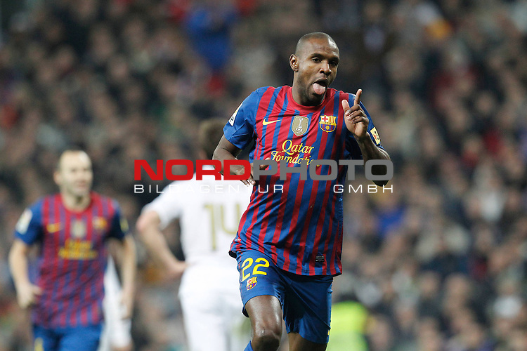18.01.2012, Estadio Santiago Bernabéu, ESP, Madrid, Kings Cup, Real Madrid vs FC Barcelona, im Bild  FC Barcelona's Eric Abidal goal during spanish King's Cup on January 18th 2012...Foto © nph / Cesar Cebolla