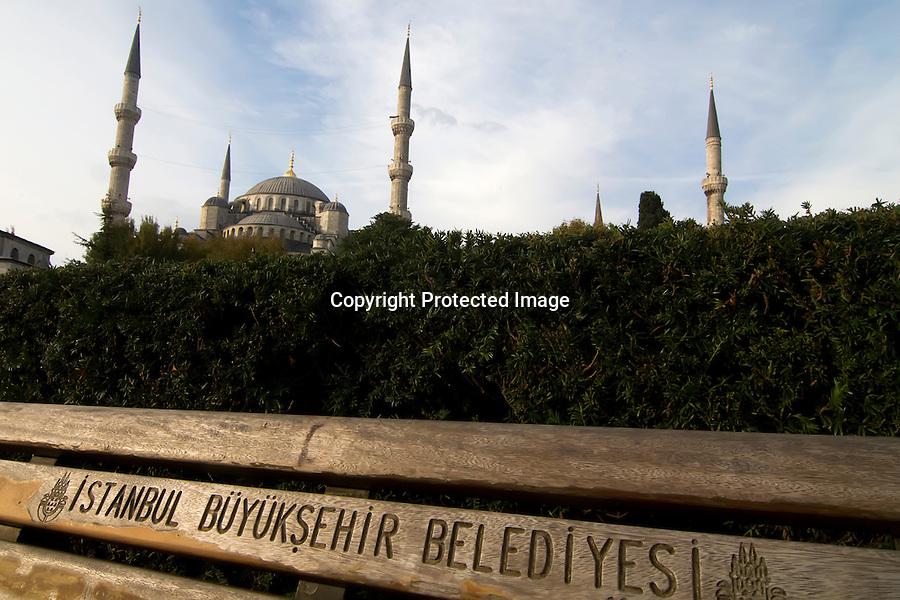 TURQUIA-ESTAMBUL.vista exterior de la Mezquita Azul de Estambul..foto JOAQUIN GOMEZ SASTRE©