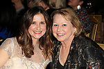 LOS ANGELES - DEC 5: Kellie Martin, Debbie Martin at The Actors Fund's Looking Ahead Awards at the Taglyan Complex on December 5, 2017 in Los Angeles, California