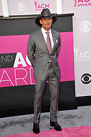 Tim McGraw at the Academy of Country Music Awards 2017 at the T-Mobile Arena, Las Vegas, NV, USA 02 April  2017<br /> Picture: Paul Smith/Featureflash/SilverHub 0208 004 5359 sales@silverhubmedia.com