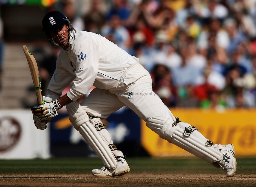 Photo: Glyn Thomas..England v Australia. nPower Test Series. The Ashes 2005..12/09/2005..England's Marcus Trescothick hits out.