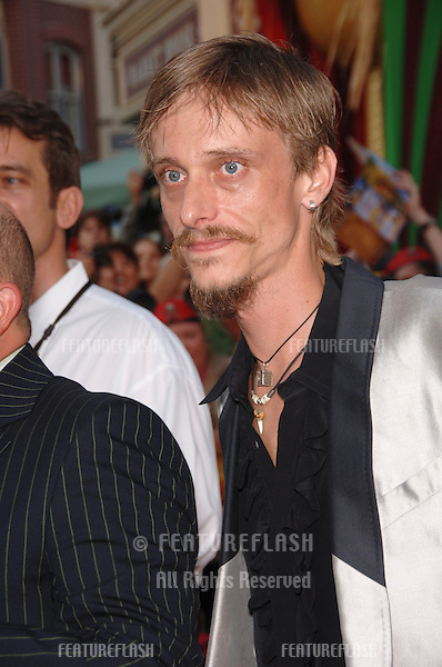 """The Office"" star MACKENZIE CROOK at the world premiere of his new movie ""Pirates of the Caribbean: Dead Man's Chest"" at Disneyland, CA..June 24, 2006  Anaheim, CA.© 2006 Paul Smith / Featureflash"