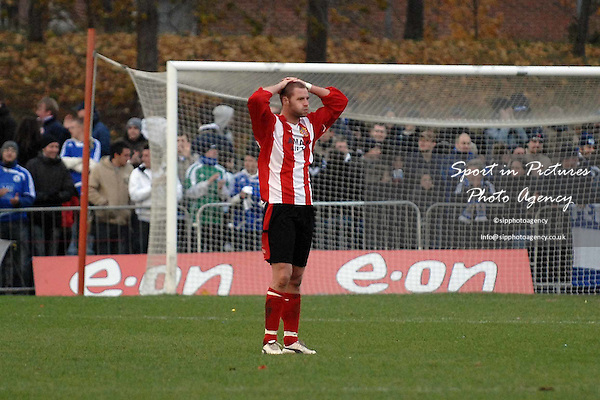 Mark Goodfellow (AFC Hornchurch) puts his hands on his head at the end of the game in disappointment. AFC Hornchurch Vs Peterborough United. FA Cup 1st round. The Stadium. Upminster. 09/11/08 Credit Garry Bowden