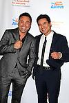 LOS ANGELES - DEC 3: Oscar De La Hoya, Mario Lopez at The Actors Fund's Looking Ahead Awards at the Taglyan Complex on December 3, 2015 in Los Angeles, California